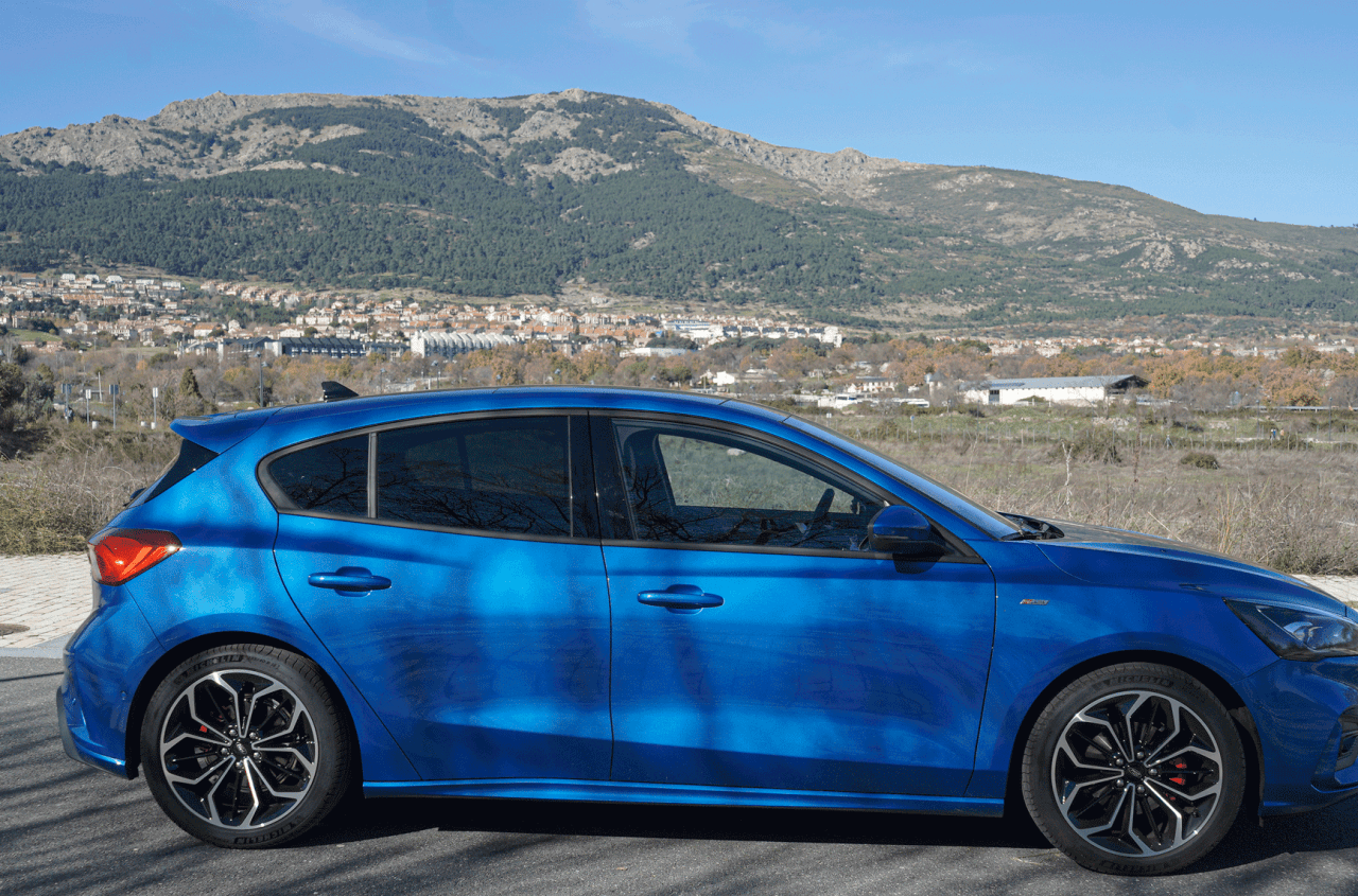 Lateral derecho Ford Focus ST Line ECOBOOST Hybrid - Prueba Ford Focus ST Line 2020 1.0 Ecoboost MHEV 155 CV