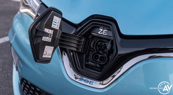 Puerto de carga Renault Zoe - Prueba Renault Zoe Zen 50kWh: ¿De los mejores eléctricos?