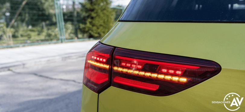 Faro trasero IQ Light Volkswagen Golf 8 - Prueba Volkswagen Golf 8 1.5 eTSI 150 CV: ¿El rey con etiqueta ECO?