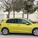 Lateral izquierdo paisaje Volkswagen Golf 8 - Volkswagen Golf 8 1.5 eTSI 150 CV: ¿El rey con etiqueta ECO?