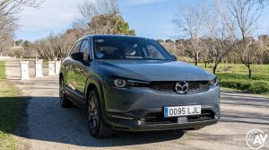Frontal lateral derecho Mazda MX 30 - Prueba Mazda MX-30: Un eléctrico diferente, ¿un acierto?