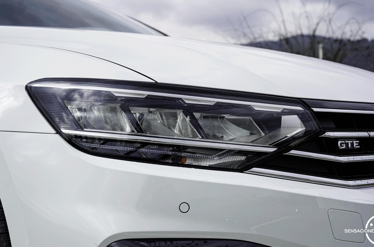 Faro delantero derecho Volkswagen Passat GTE - Prueba Volkswagen Passat GTE 2021: Un coche casi perfecto en peligro de extinción