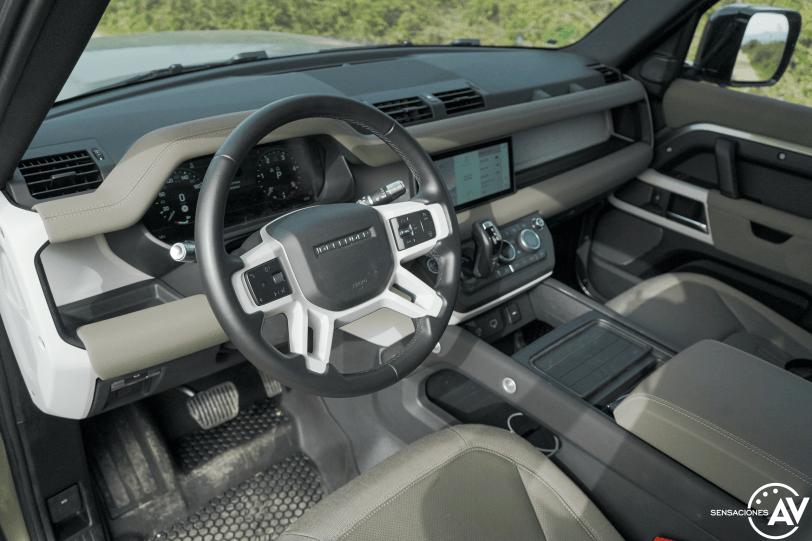 Salpicadero vista izquierda Land Rover Defender 110 - Prueba Land Rover Defender 110: Confort y campo unidos a la perfección