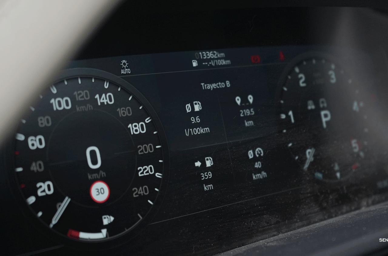 Tacometro Land Rover Defender 110 - Prueba Land Rover Defender 110: Confort y campo unidos a la perfección
