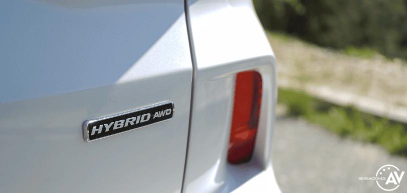 Logo Hybrid AWD Ford Kuga HEV - Prueba Ford Kuga híbrido 2021: ¿Uno de los mejores SUV híbridos?