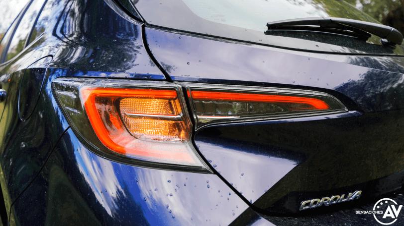 Luz trasera izquierda Toyota Corolla - Prueba Toyota Corolla Active Tech 125H 2021: ¿El candidato perfecto? ¿Un Golf Killer?
