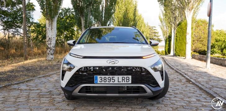 Frontal con intermitente Hyundai Bayon - Prueba Hyundai Bayon 1.0 TGDi 48 V 100 CV AT Tecno: ¿El nuevo rey del segmento B-SUV?