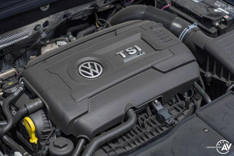 Motor cerca Volkswagen T Roc R - Prueba Volkswagen T-Roc R: 300 CV de pura adrenalina