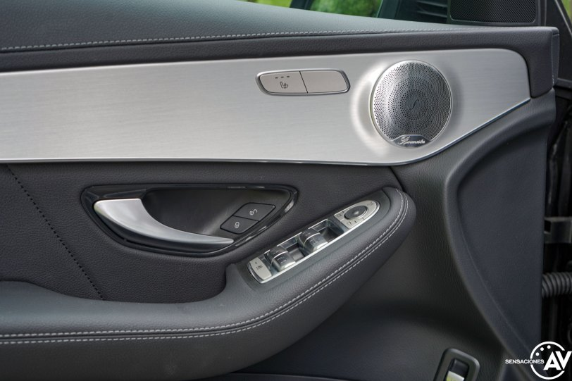 Puerta conductor Mercedes Benz GLC 300de - Prueba Mercedes-Benz GLC 300de 4Matic: Un SUV familiar, híbrido enchufable y diésel ¿Una buena combinación?