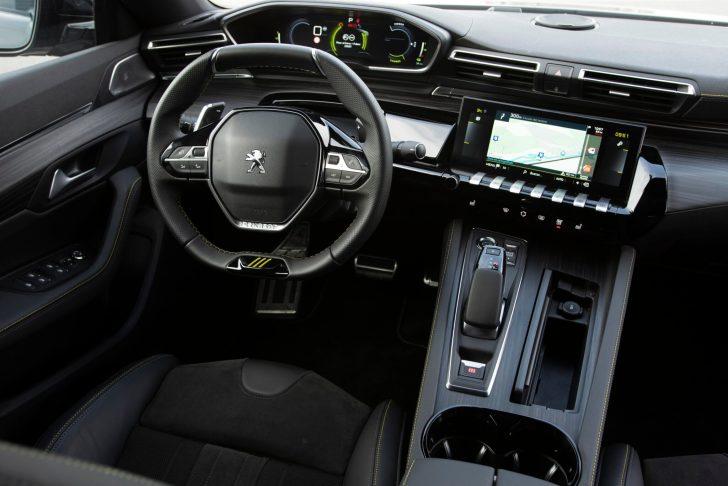 508PSE 05 scaled - Prueba Peugeot 508 PSE: Deportividad enchufable al estilo francés