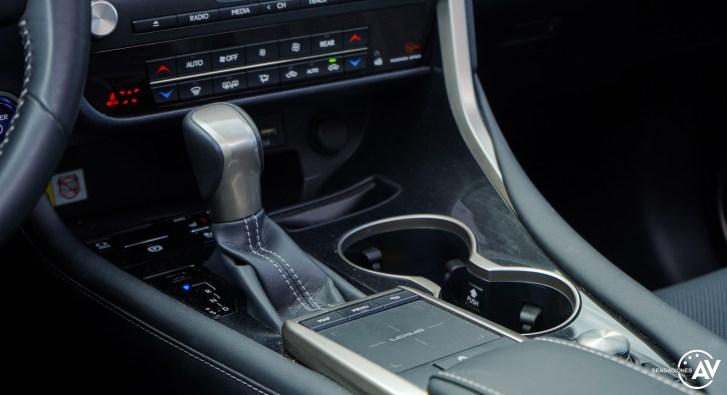 Consola central Lexus RXL - Prueba Lexus RX 450hL Executive 2021: ¿El SUV de lujo más cómodo con 7 plazas?