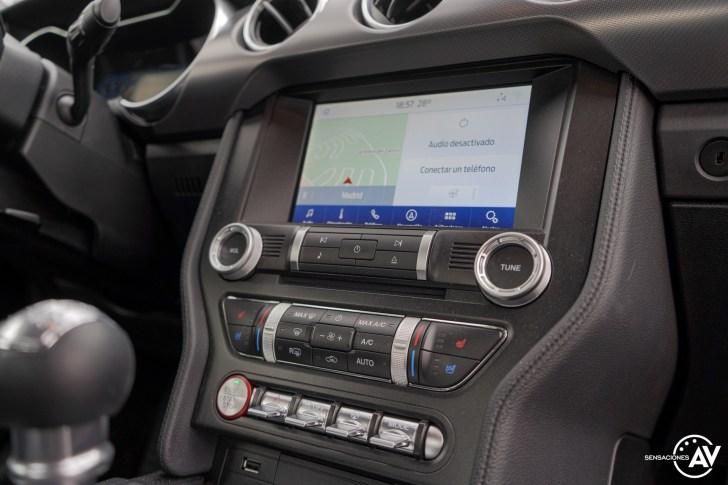 Sistema multimedia Ford Mustang - Prueba Ford Mustang GT Fastback 2021: Puro músculo. ¡Que Dios bendiga a América!