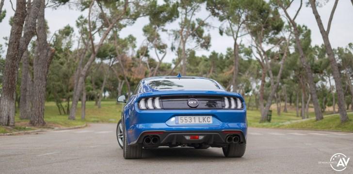 Trasera Ford Mustang - Prueba Ford Mustang GT Fastback 2021: Puro músculo. ¡Que Dios bendiga a América!