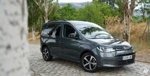 Frontal lateral derecho Volkswagen Caddy Outdoor - Prueba del nuevo Volkswagen Caddy Outdoor 2021: Un auténtico referente