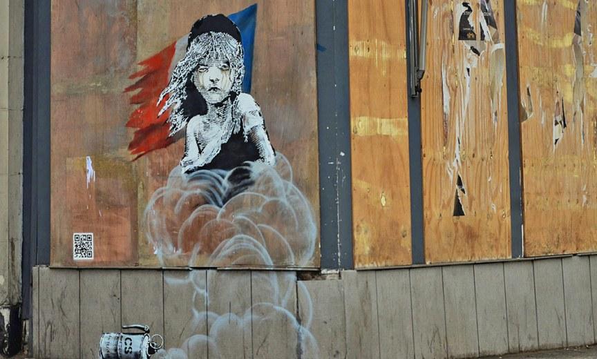 cosette banksy ambasciata francese