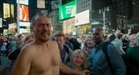 Riga Thomson am Times Square - Birdman