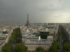 Der Eiffelturm von weiter weg