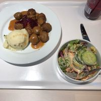 Köttbullar bei #IKEA #foodporn - via Instagram