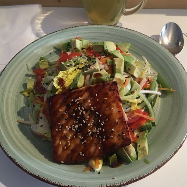 Roasted Salmon Salad <a rel=