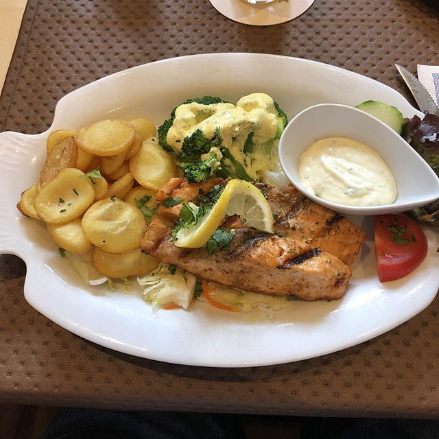 Lachs vom Grill <a rel=