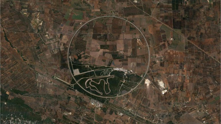 The Nardò Ring, a Curved Geoglyph in the Italian Landscape