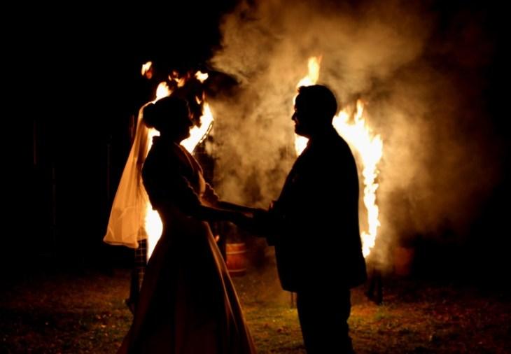 Feuervariete Feuershow Cedrus Inflamnia Hochzeitspaar Initialen 6