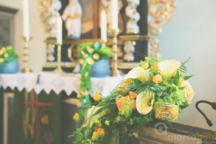 Altarsträuße Hochzeit pfirsich türkis
