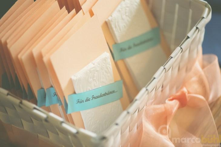 Freudentränen-Taschentücher