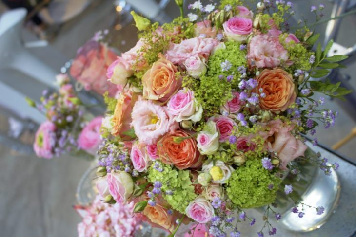 Blumenstrauß pastell grün vintage