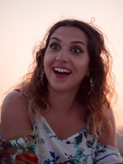 Glückliche Verlobte Strand Kreta Heiratsantrag Proposal Marriage Wedding Planning Crete Weding Planner Hochzeitsplanung Planung