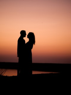 Sunset Couple Crete Beach Proposal of Marriage Sonnenuntergang Heiratsantrag Kreta Apostelemi Kato Gouves Analipsi Wedingplanner Hochzeitsplaner Planer Planner