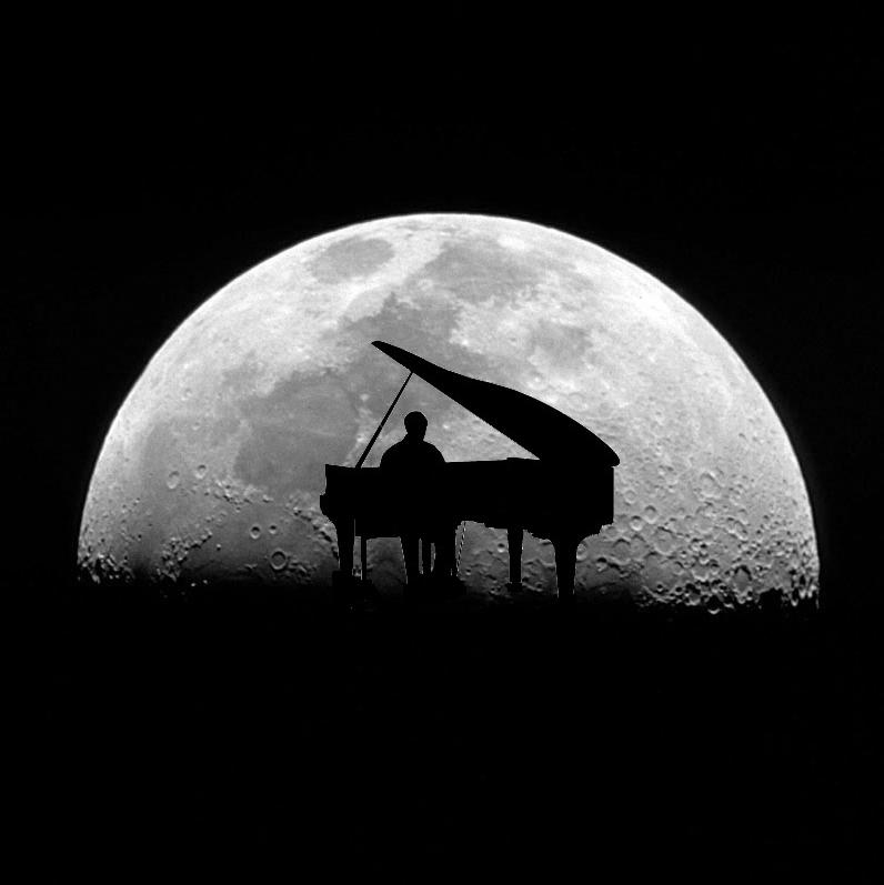 moon_pianoforte