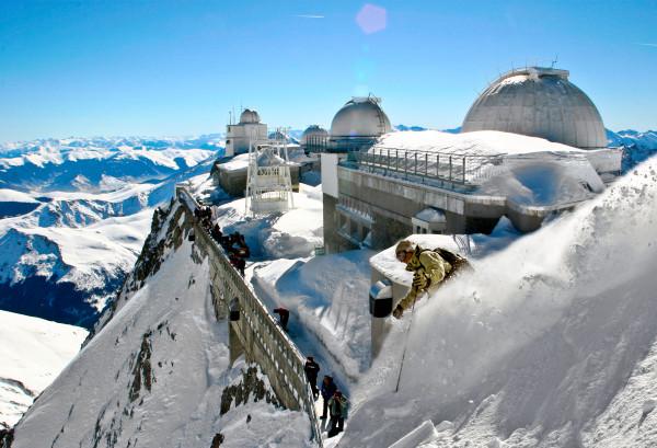 le-pic-du-midi-sous-la-neige