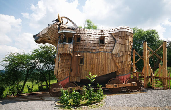 "Durbuy, in Belgio ""The Trojan Horse"""