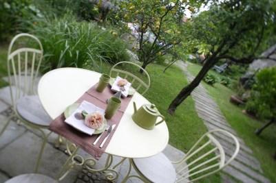 Hotel Cernia Isola Botanica - Giardino con tavolo