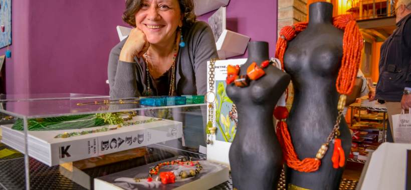 Le Collane Notturne di Maria Novella Brenelli