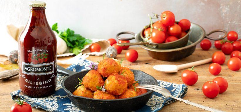 Polpette di cavolfiore con salsa pronta di ciliegino