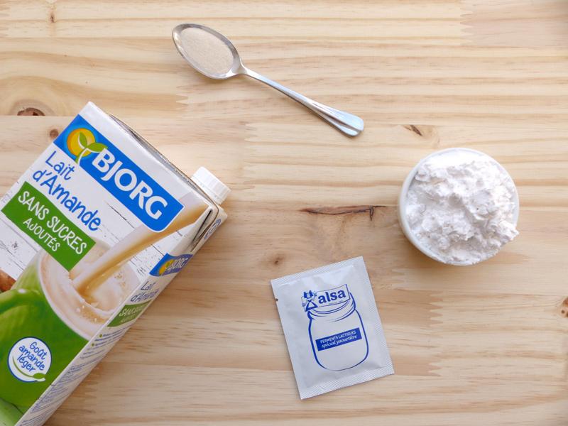 recette de yaourts maison vegan et sans soja au lait végétal d'amandes