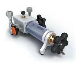 Bench based hydraulic screw-press pump