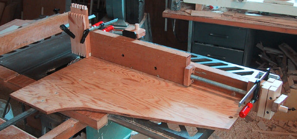Cauls Shown With Rockler 39 S Router Table Box Joint Jig 29502 And Web Band Clamps