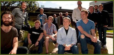 THE HOBBIT CAST. Da sinistra: AIDAN TURNER, WILLIAM KIRCHER, STEPHEN HUNTER, JED BROPHY, JAMES NESBITT, MARK HADLOW, JOHN CALLEN, MARTIN FREEMAN, PETER HAMBLETON, GRAHAM MCTAVISH, ROB KAZINSKY, KEN STOTT, RICHARD ARMITAGE, ADAM BROWN