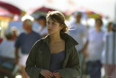 Mélanie Laurent  in Je vais bien, ne t'en fais pas