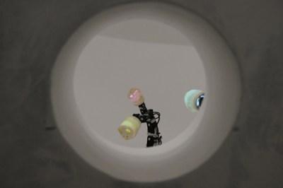 Ergo-Robots. Le teste sono disegnate da David Lynch