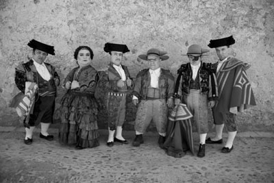 La compagnia dei nani toreri in BLANCANIEVES di Pablo Berger