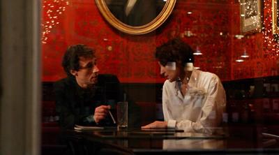 Bertrand Bonello e Jeanne Balibar in LE DOS ROUGE