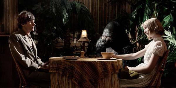 Jesse Eisenberg e Mia Wasikowska in THE DOUBLE di Richard Ayoade
