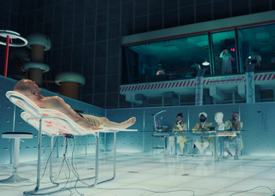 Christoph Waltz in THE ZERO THEOREM di Terry Gilliam, nuove foto