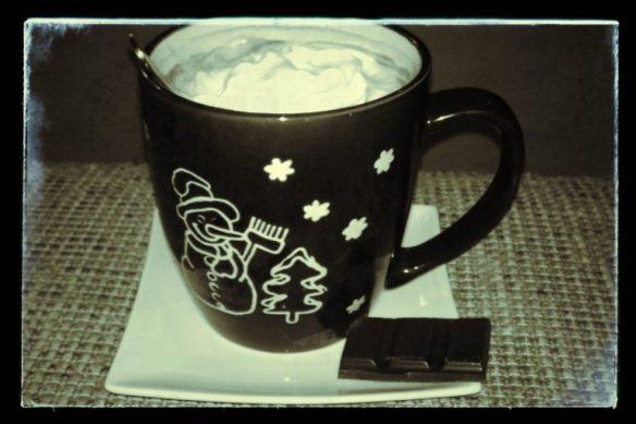 Winterse drankje - Warme chocolademelk met slagroom