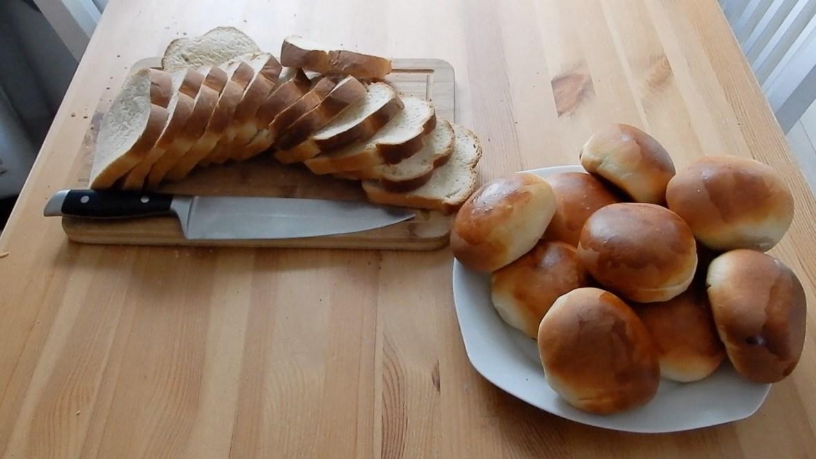 Zelf brood en bolletjes bakken met mijn Bourgini keukenmachine