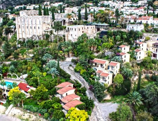 Yazı: Global Butik Otellerin Gelişimi ve Bellapais Gardens Yazan: Doç. Dr. İsmet Esenyel